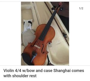 Violin 4/4 w/bow and case Shanghai comes with shoulder rest for Sale in Salinas, CA