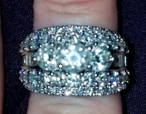 Beautiful Brilliant Wedding Set for Sale in Placentia, CA