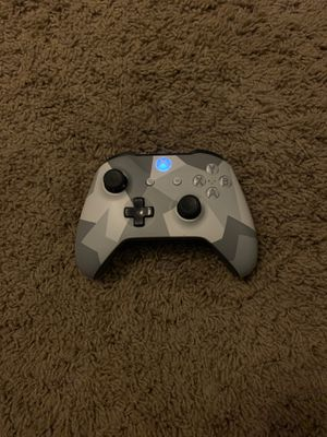 White force Xbox one controller for Sale in Menifee, CA