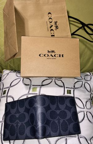 Men's coach signature wallet brand new with tags attached 100% authentic for Sale in San Fernando, CA