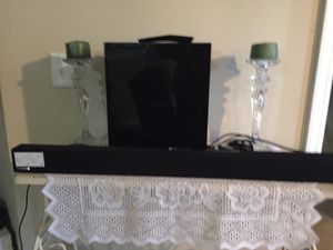 2.1 CHANEL SAMSUNG SOUNDBAR PLUS SUBWOOFER ALMOST NEW/CHECK OUT MY PAGE FOR GREAT DEALS for Sale in West Palm Beach, FL