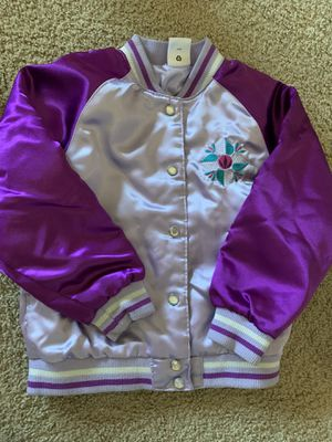 Size 5/6 Disney store frozen jacket for Sale in Gilroy, CA