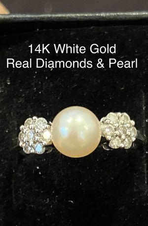 Solid 14K White Gold Engagement Promise Anniversary Ring Natural Pearl & 14 Round Diamonds for Sale in Glendale, AZ