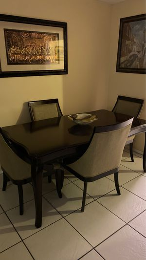 Wooden Dining table for Sale in Coral Springs, FL