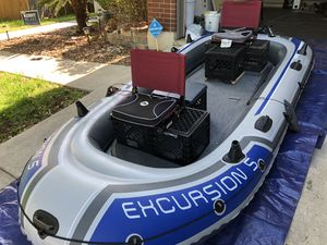 5 person inflatable boat for Sale in San Antonio, TX
