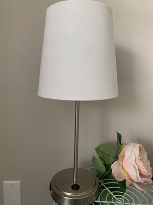 White lamp for Sale in Tallahassee, FL