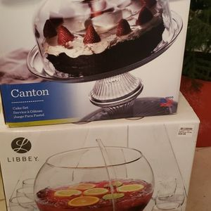$35 Cake Server And Punch Bowl Set for Sale in Fort Lauderdale, FL