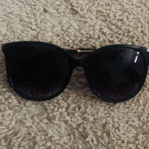 Gucci Sunglasses (Unisex) for Sale in Woodbridge, VA