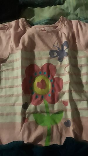 Little girl shirts size 5T for Sale in Hyattsville, MD