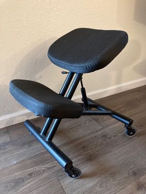 Parkey kneeling chair for Sale in Carmichael, CA