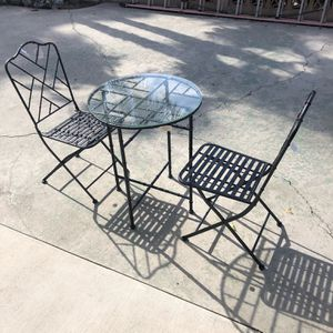 ANTIQUE BISTRO TABLE & CHAIRS BLACK for Sale in Pomona, CA