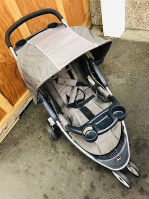 Chicco Viaro Travel System for Sale in Tualatin, OR