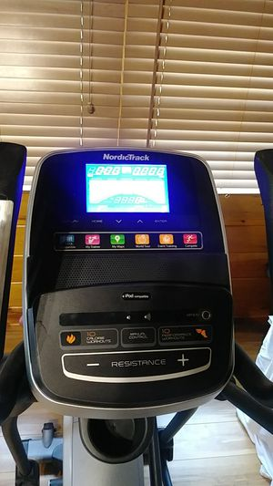 NordicTrack- E5.7 Eliptical for Sale in Belleville, MI