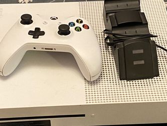Xbox One S 1TB for Sale in Tolleson,  AZ
