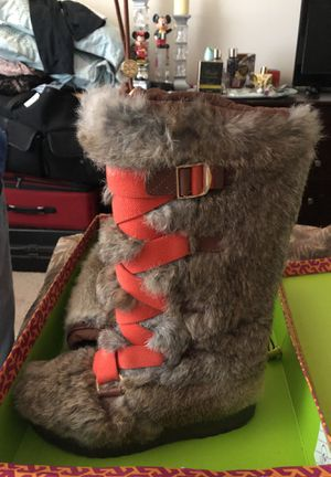 Tori Burch Fur boots ( 8- 8.5) for Sale in Arlington, VA