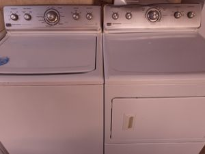 Maytag washer electric dryer set for Sale in Bakersfield, CA