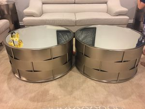 Mirrored coffee table for Sale in Fairfax, VA
