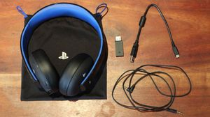 Sony gold blue tooth headphones with box for Sale in Maple Heights, OH