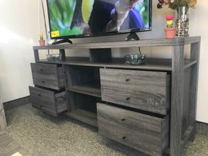 Jane TV Stand up to 70in TVs, Distressed Grey Finish for Sale in Fountain Valley, CA