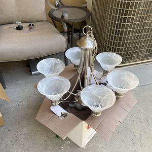 chandelier for Sale in Rancho Cucamonga, CA