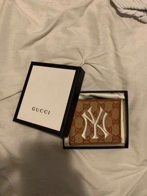 Gucci wallet New York Yankees for Sale in Miami, FL