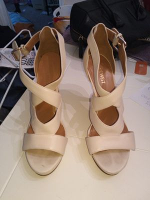 Cream nine West heels size 6/6.5 for Sale in Lawrenceville, GA