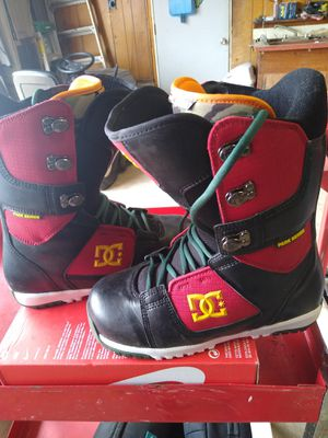 DC Snow Boots for Sale in Egg Harbor Township, NJ