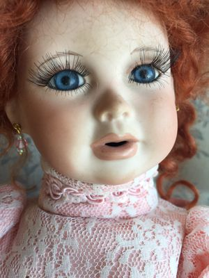 Beautiful Vintage DOLL for Sale in Scappoose, OR