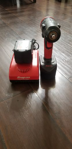 """Snap on 3/8"""" Drive 14.4v Cordless Impact Wrench  for Sale in Garden Grove, CA"""