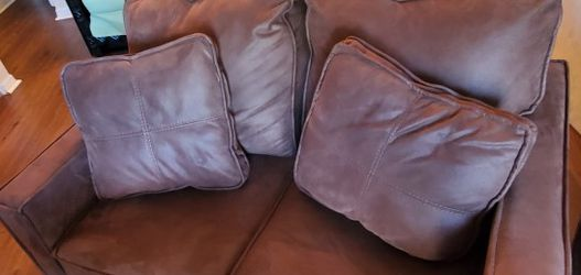 Chocolate Mocha Brown Sofa And Love Seat Gently Used for Sale in Davenport,  FL