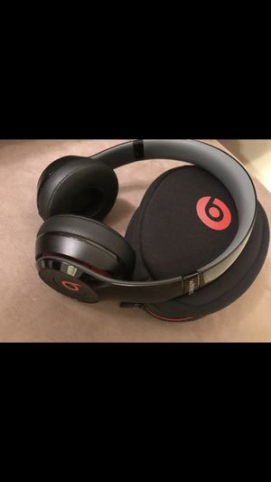 Beats solo2 wired headphones for Sale in Queens, NY