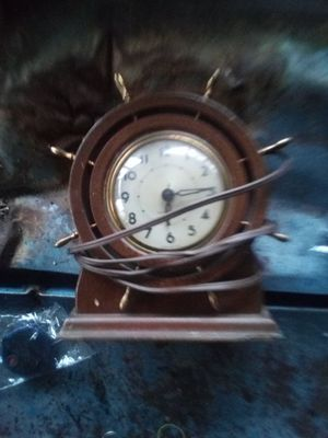 Old antique clock for Sale in Wilsonville, OR