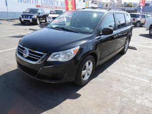 09 VW Routan for Sale in Oceanside, CA