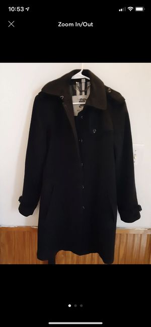 Burberry woman coat size M (8-10) for Sale in San Diego, CA