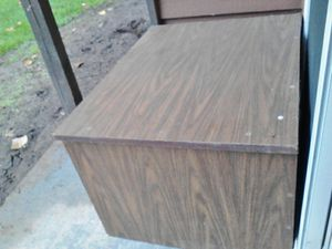 TV stand/table for Sale in Sumner, WA