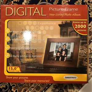Digital Picture Frame for Sale in Commack, NY
