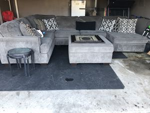 3 Piece Sectional with Ottoman $850 CASH ONLY for Sale in Arlington, TX