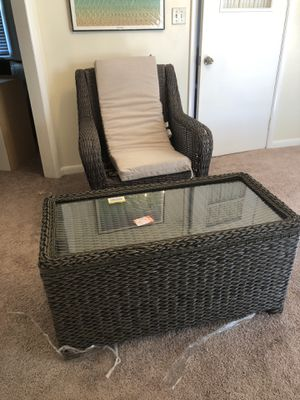 Cambridge Patio Swivel chair with outside coffee table with storage for Sale in Savannah, GA