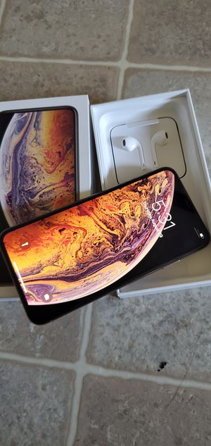 Brand New Gold iPhone XS Max 256GB Factory Unlocked for Sale in Oakland, CA