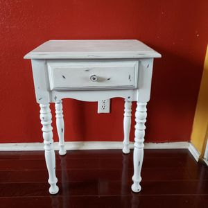 White Night Stand for Sale in Compton, CA