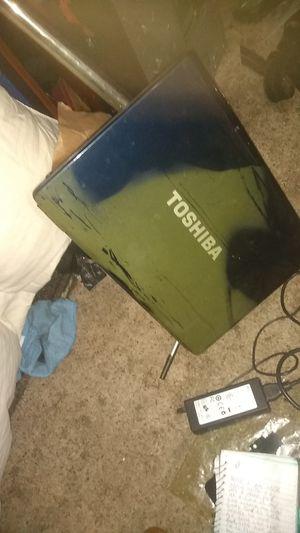 Laptop toshiba for Sale in Hemet, CA