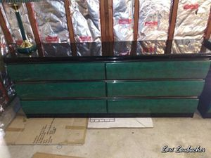Dresser set Bedroom with to end tables W/2drawers and 2 matching lamps for Sale in Los Angeles, CA
