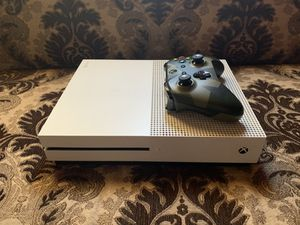 Xbox One S 1TB for Sale in Orosi, CA