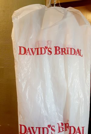 Size 18 DAVID'S BRIDAL WEDDING DRESS for Sale in Bakersfield, CA