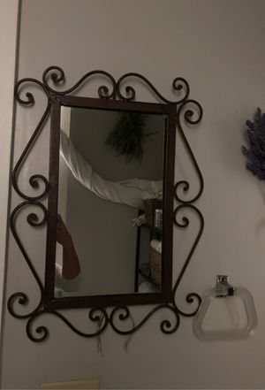 "20"" x 15"" Wall Hanging Mirror for Sale in Baltimore, MD"