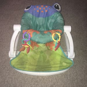 Baby Bouncer Learning To Sit for Sale in Montrose, CO