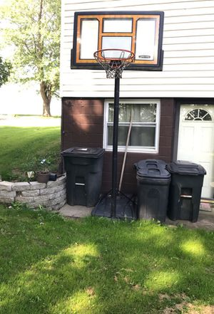 Basketball hoop for Sale in Burgettstown, PA