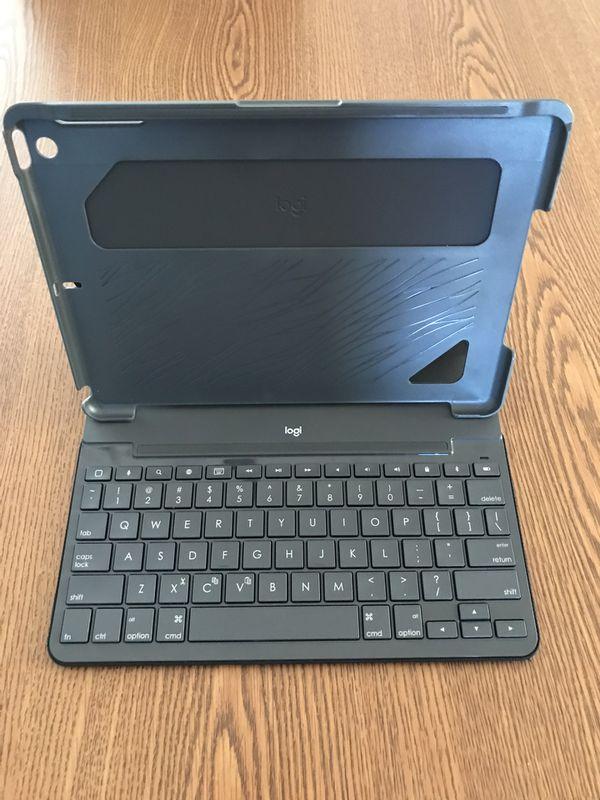 Slim Folio keyboard for iPad.