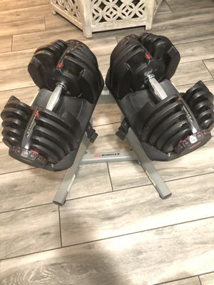 Bowflex 1090 adjustable dumbbells and stand for Sale in Tampa, FL
