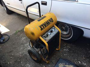 Air compressor dewalt for Sale in Kansas City, MO